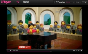 Look at me on my lego piano!!